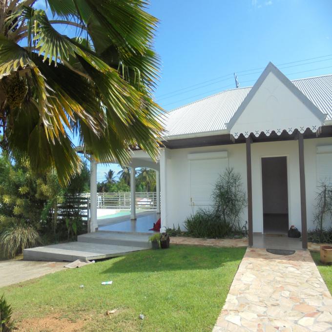 Offres de location Villa Petit-Bourg (97170)